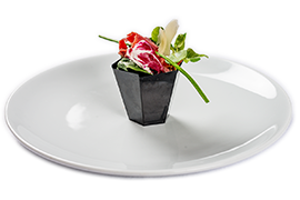 Buchet de Bresaola si Coppa in cos de salata
